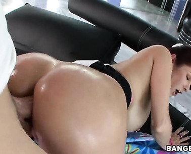 Redhead Tiffany Mynx Gets Ass Fucked