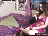 Girls Out West – Hairy Nerdy Amateur Masturbates With Toy